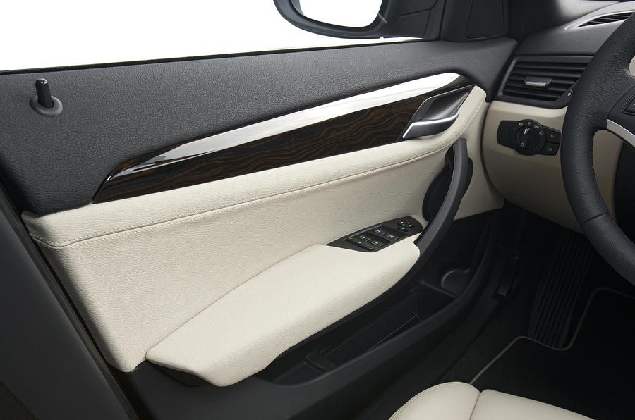 BMW X1 door card