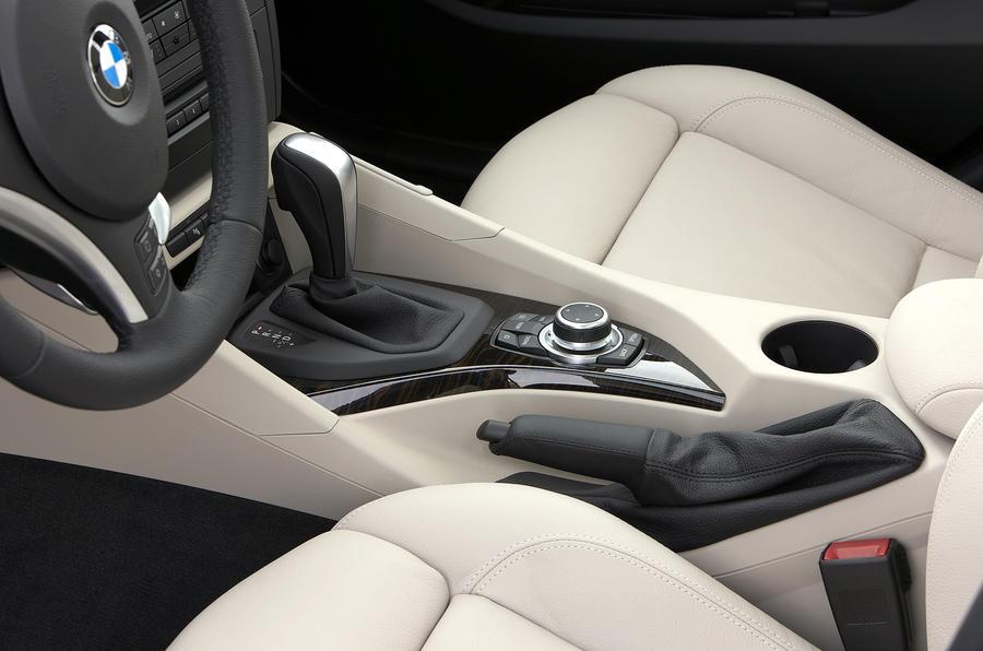 BMW X1 centre console