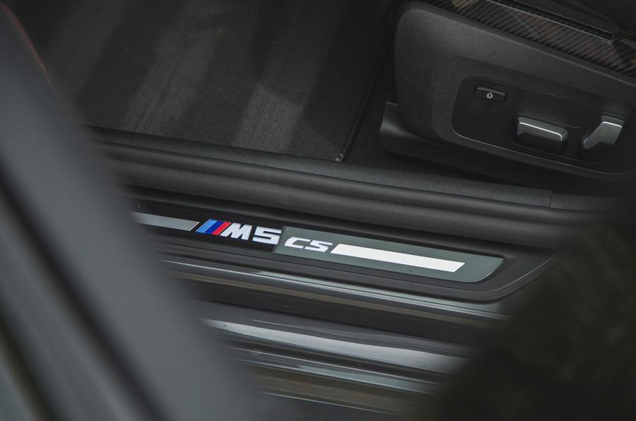 22 BMW M5 CS 2021 RT plaques de seuil