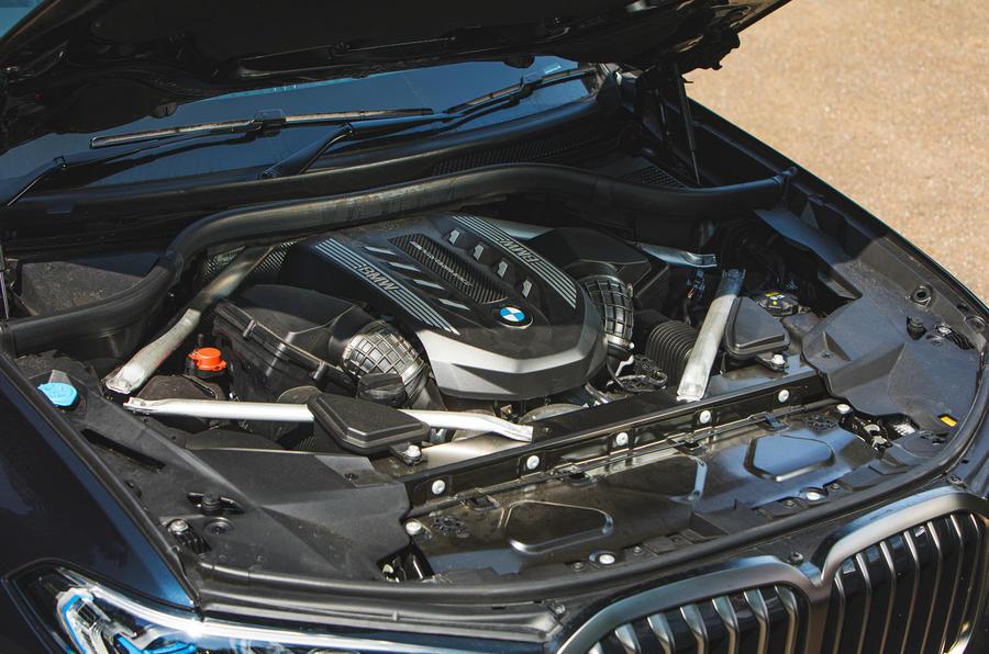 BMW X7 2020 : examen de l'essai routier - moteur