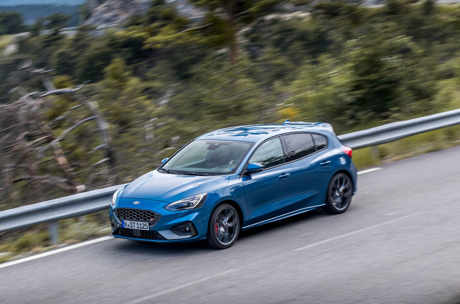 Ford Focus ST 2019 review - on the road above