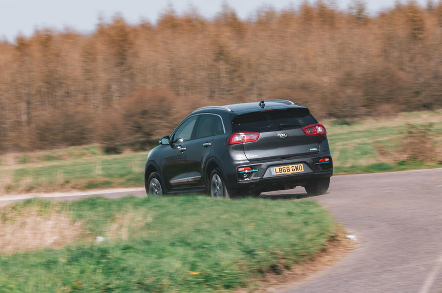 Kia e-Niro 2019 road test review - cornering rear