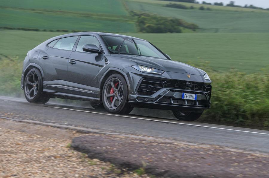 Lamborghini Urus 2019 road test review - on the road front