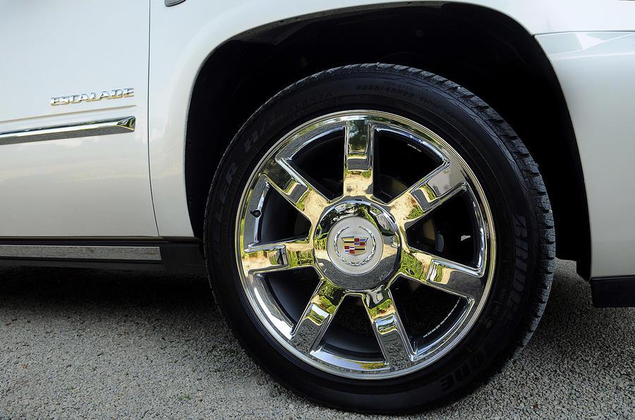 22in Cadillac Escalade alloys