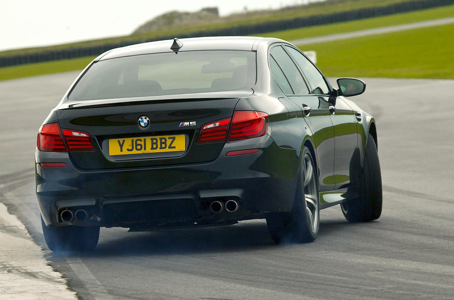 BMW M5 rear drifting