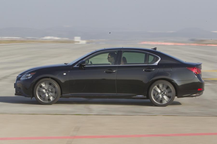 Lexus GS 450h side profile
