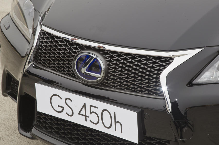 Lexus GS 450h front grille