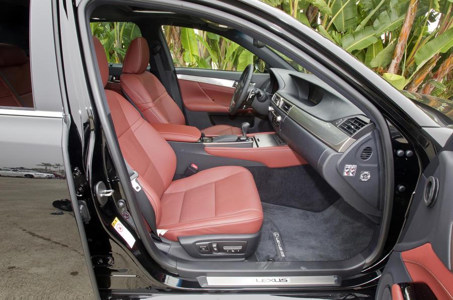 Lexus GS 450h interior