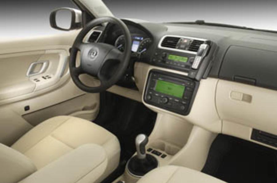 Skoda fabia 1 2 review autocar - Skoda fabia interior ...