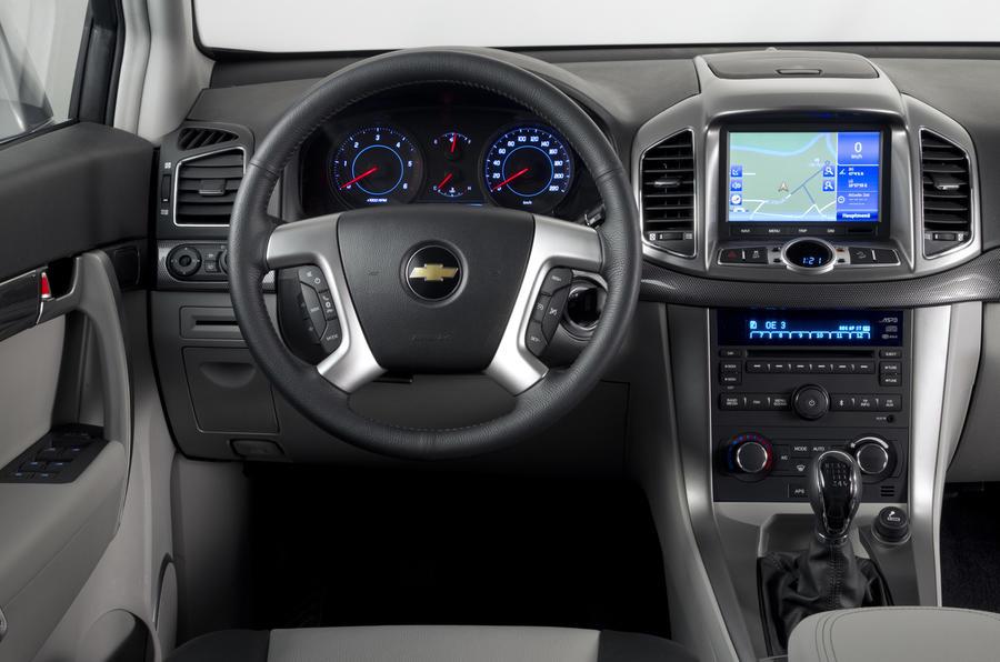 Chevrolet Captiva dashboard