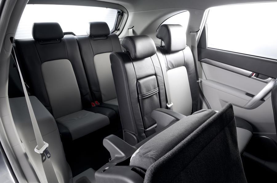 Chevrolet Captiva rear seats