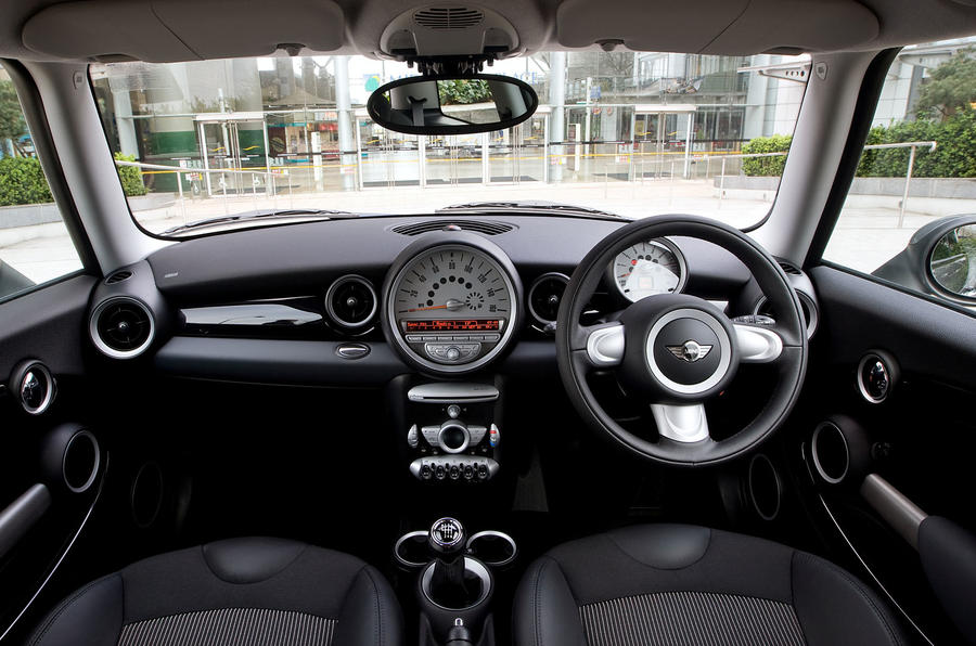 Mini Cooper S dashboard