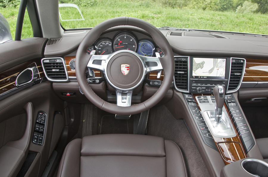Porsche Panamera dashboard