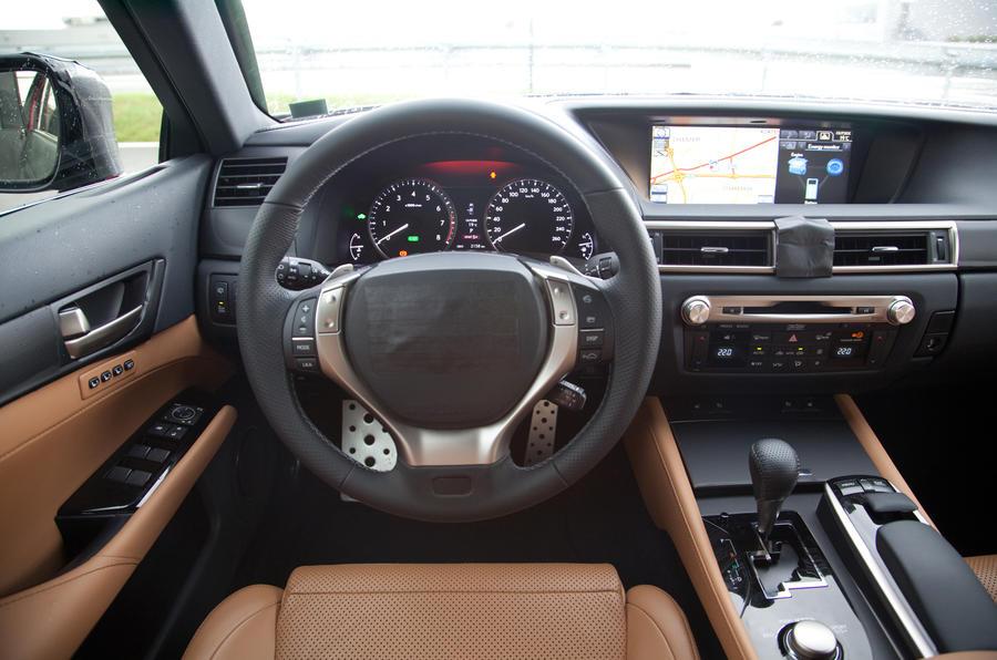 Lexus GS 250 dashboard