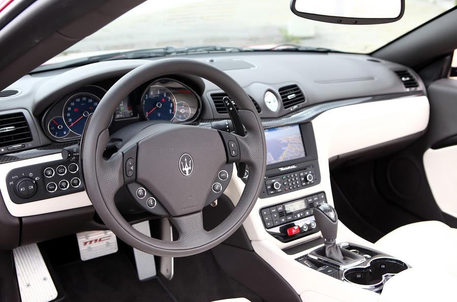 Maserati Grancabrio Sport interior