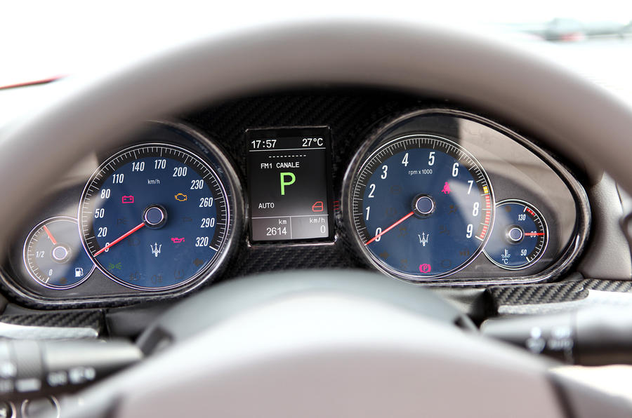 Maserati Grancabrio Sport instrument cluster