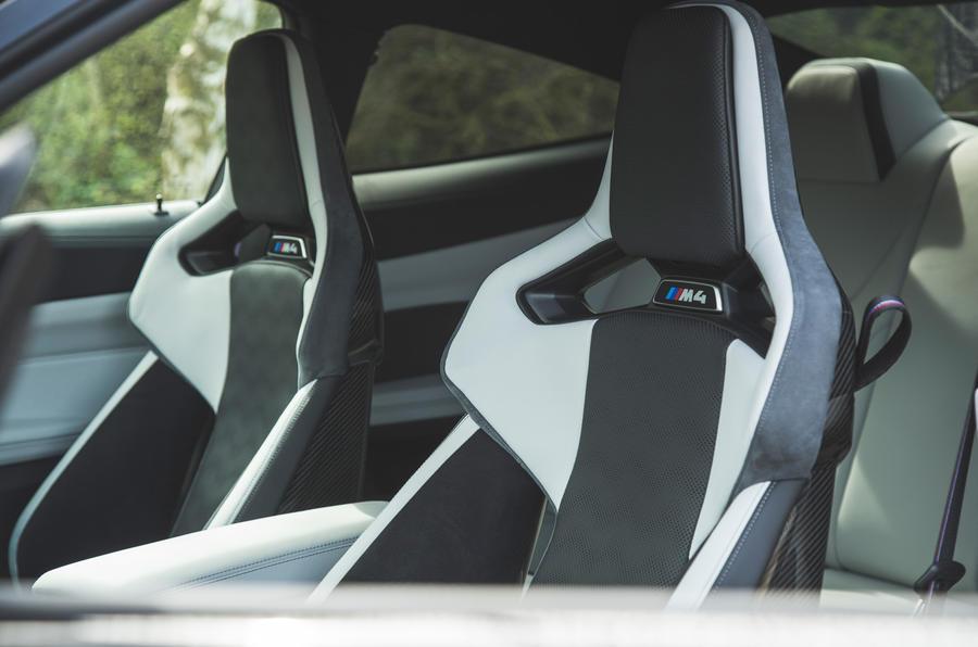 23 Sièges avant de la BMW M4 Competition 2021 RT
