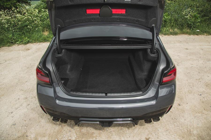 23 BMW M5 CS 2021 RT coffre