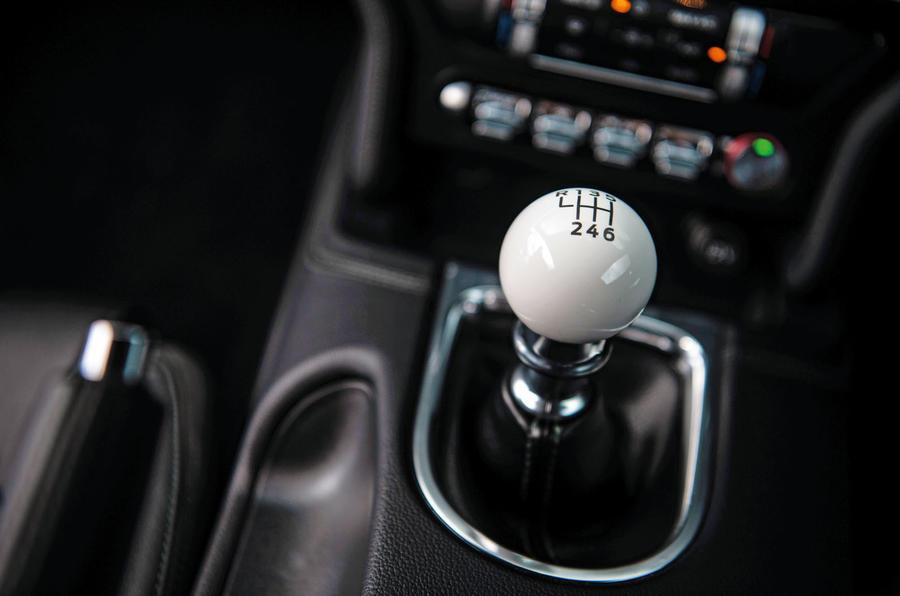 Ford Mustang Bullitt 2018 road test review - gearstick