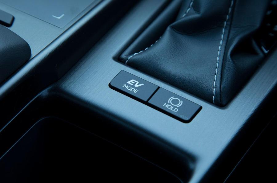 Lexus ES 2019 road test review - EV mode button