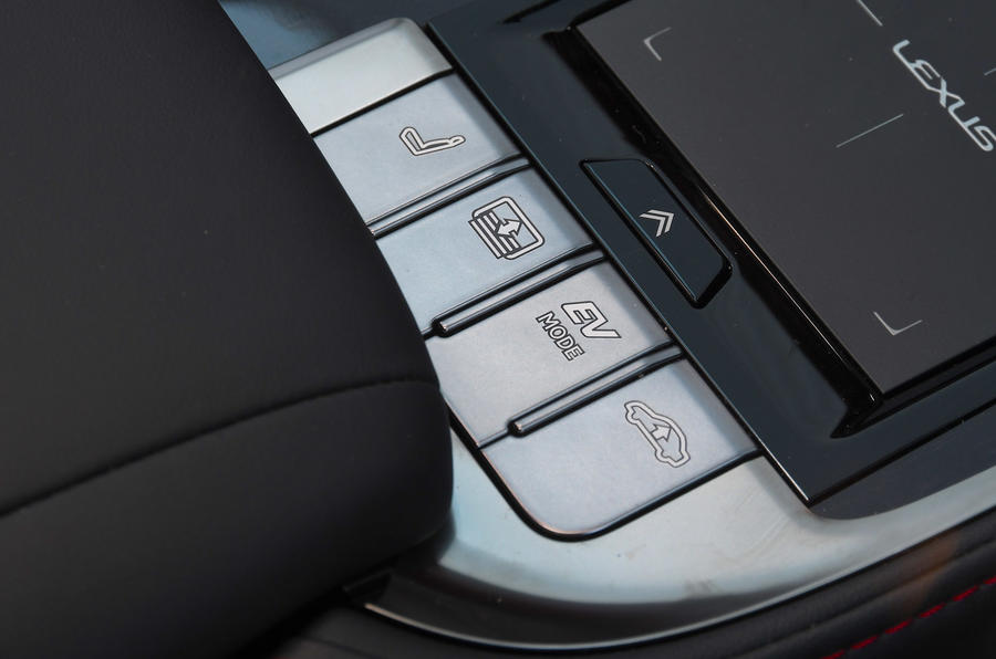 Lexus LS500h 2018 road test review EV controls