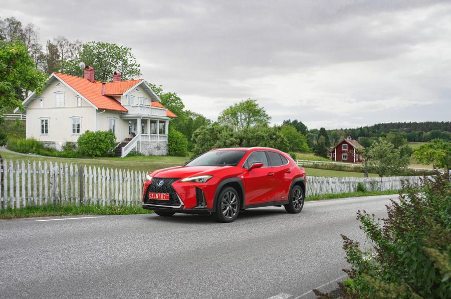 Lexus UX 2018 road test review - static front