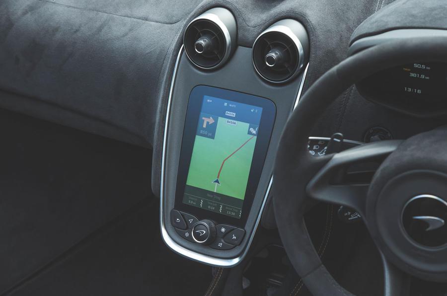 McLaren 600LT Spider 2019 road test review - infotainment