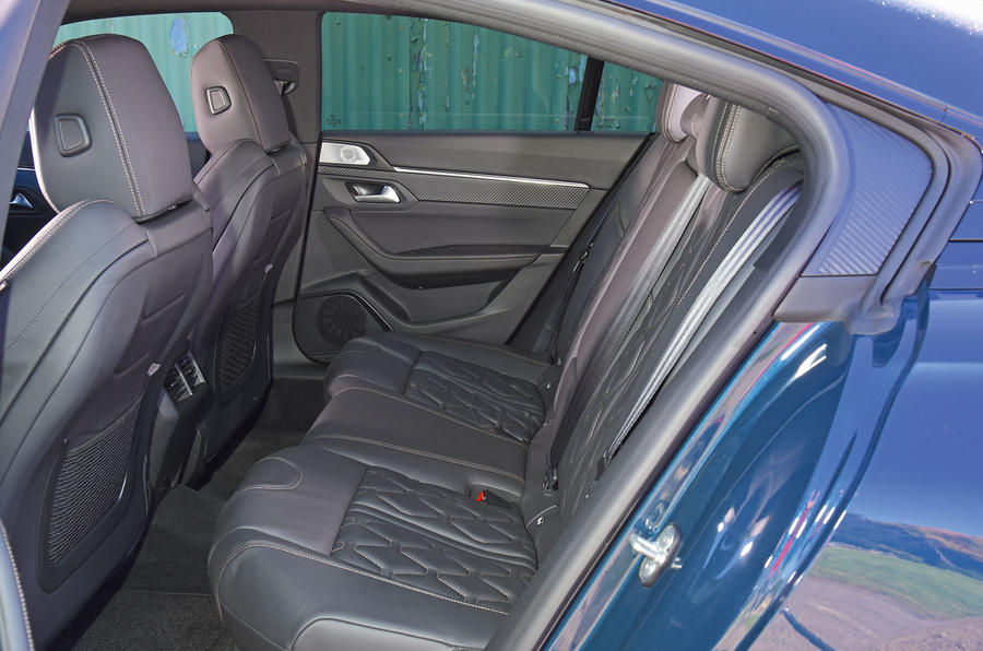 Peugeot 508 2018 road test review - rear seats