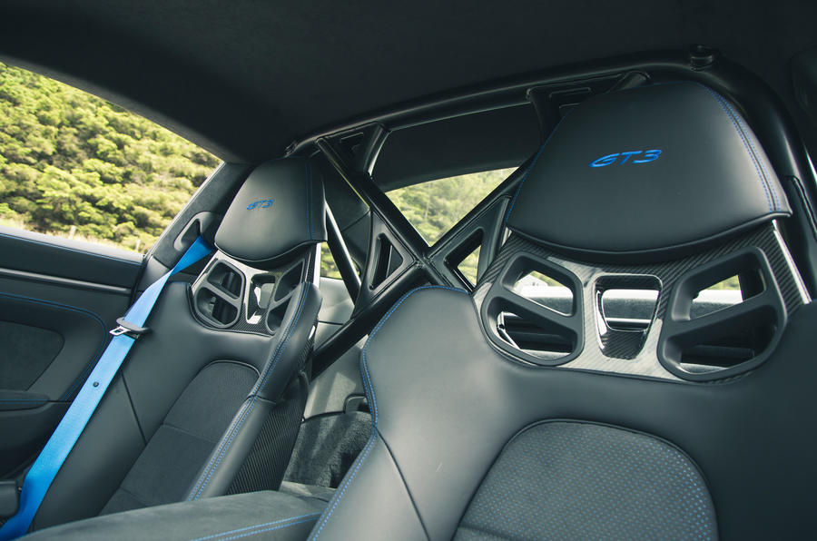 23 Porsche 911 GT3 2021 RT sièges