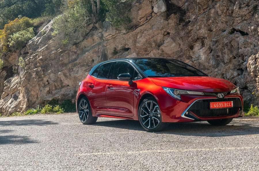 Toyota Corolla hybrid hatchback 2019 road test review - static front