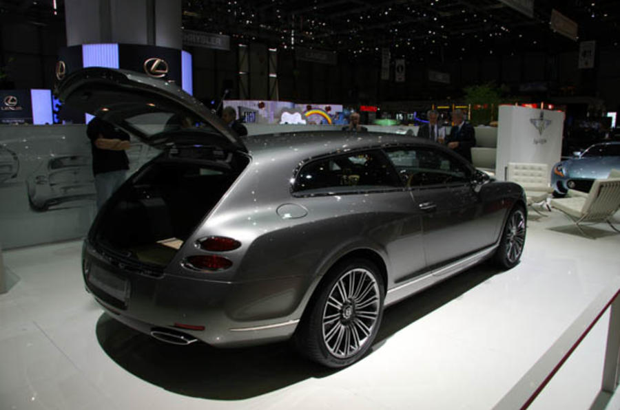 Bentley considers Panamera rival