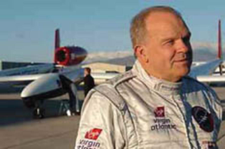 Fossett to bid for 800mph record