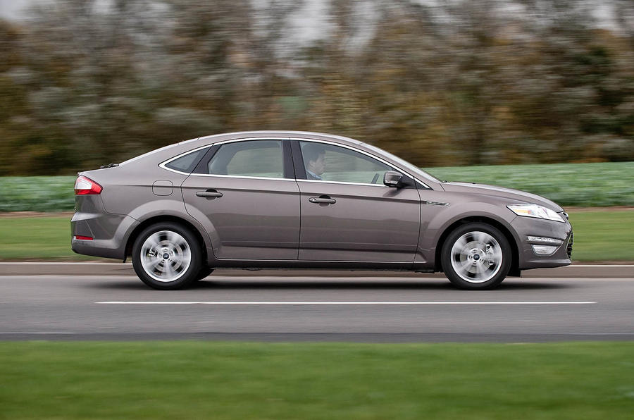 Ford Mondeo side profile