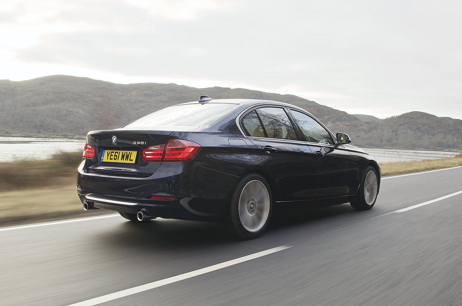 BMW 335i Luxury rear