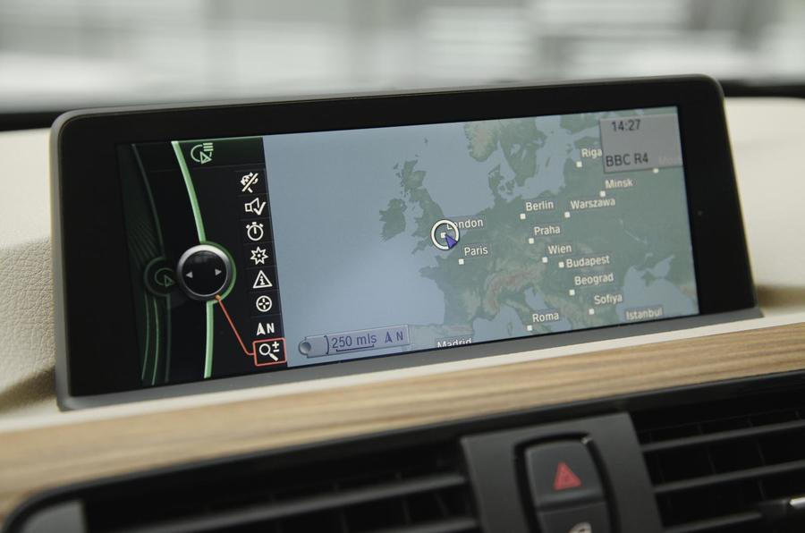 BMW 335i Luxury infotainment