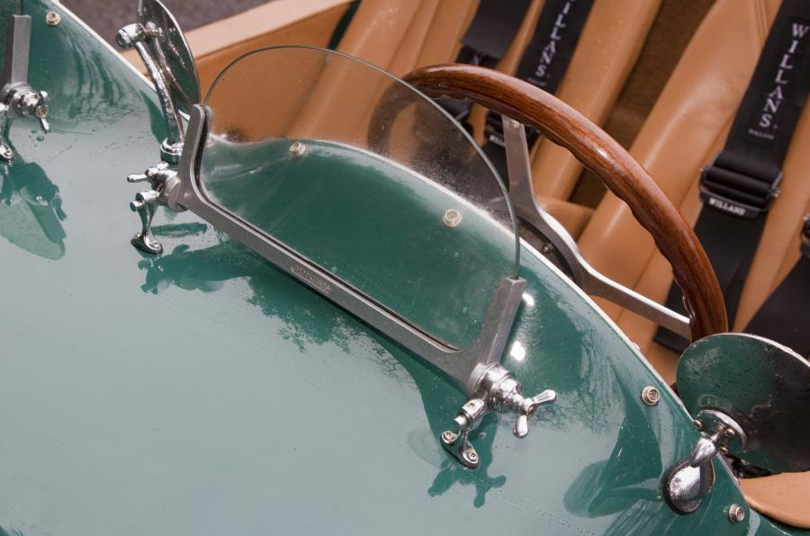 Wooden steering wheel on Allard