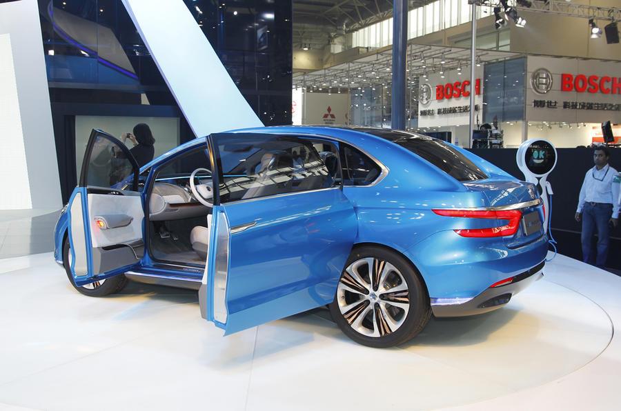 Beijing show: Daimler/BYD Denza