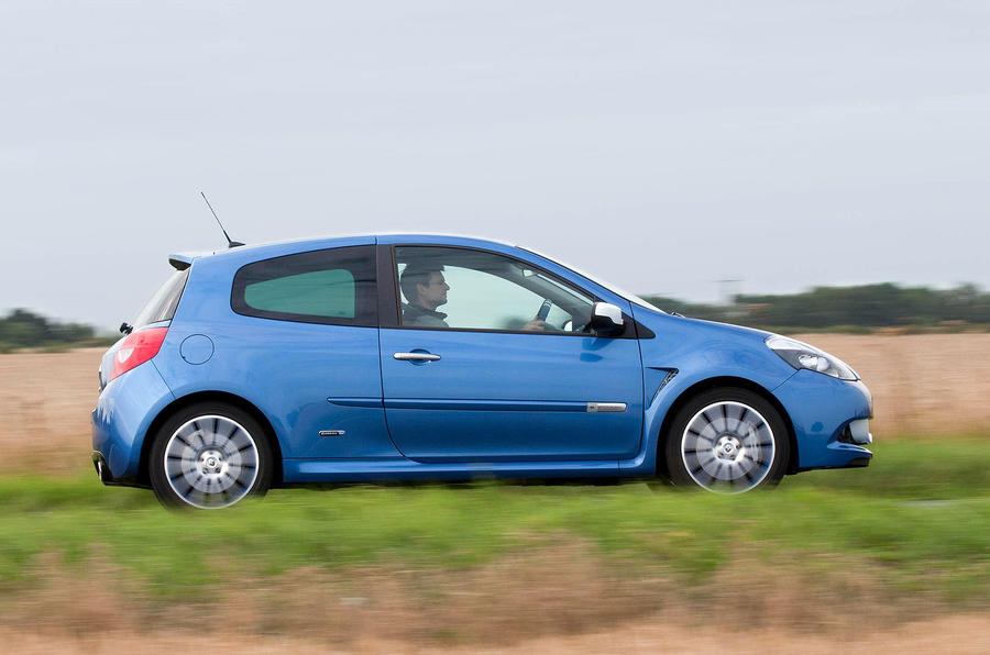 Renault Clio Gordini 200 side profile