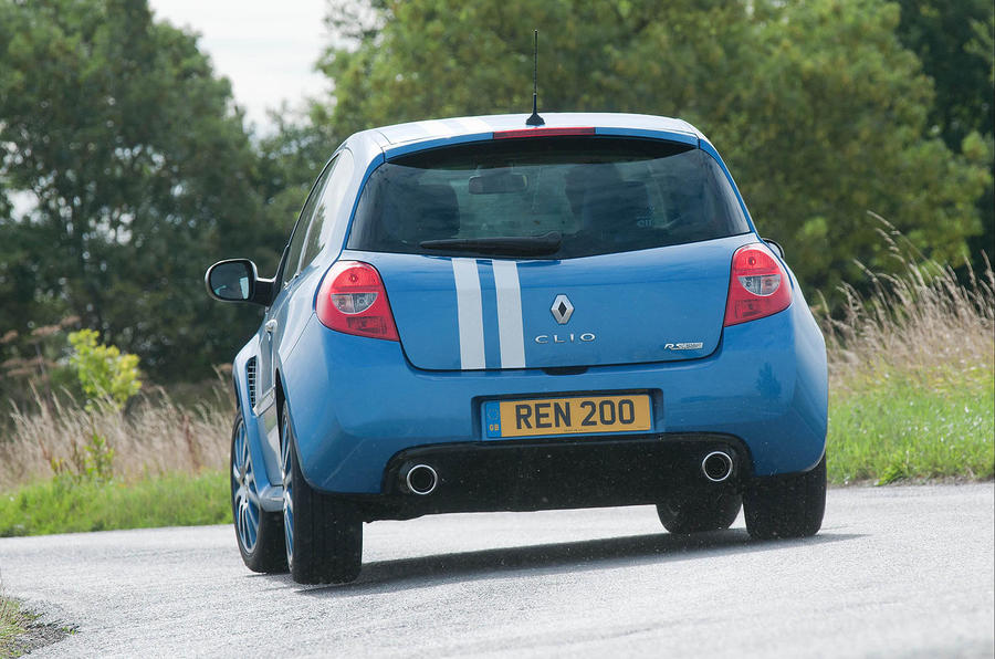 Renault Clio Gordini 200 rear cornering