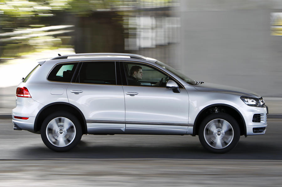 VW Touareg side profile