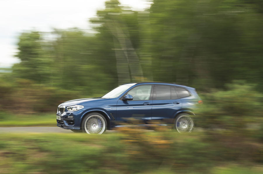 Alpina XD3 2019 UK road test review - on the road side