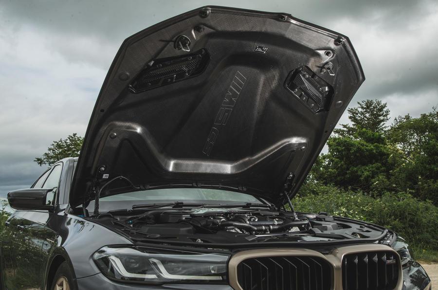 24 BMW M5 CS 2021 RT capot moteur