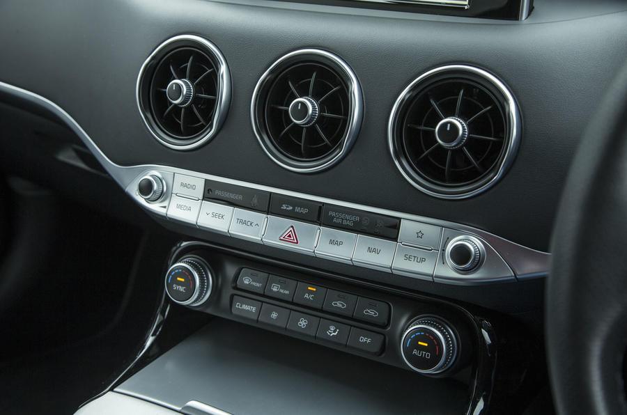 Kia Stinger GT line 2018 review centre console