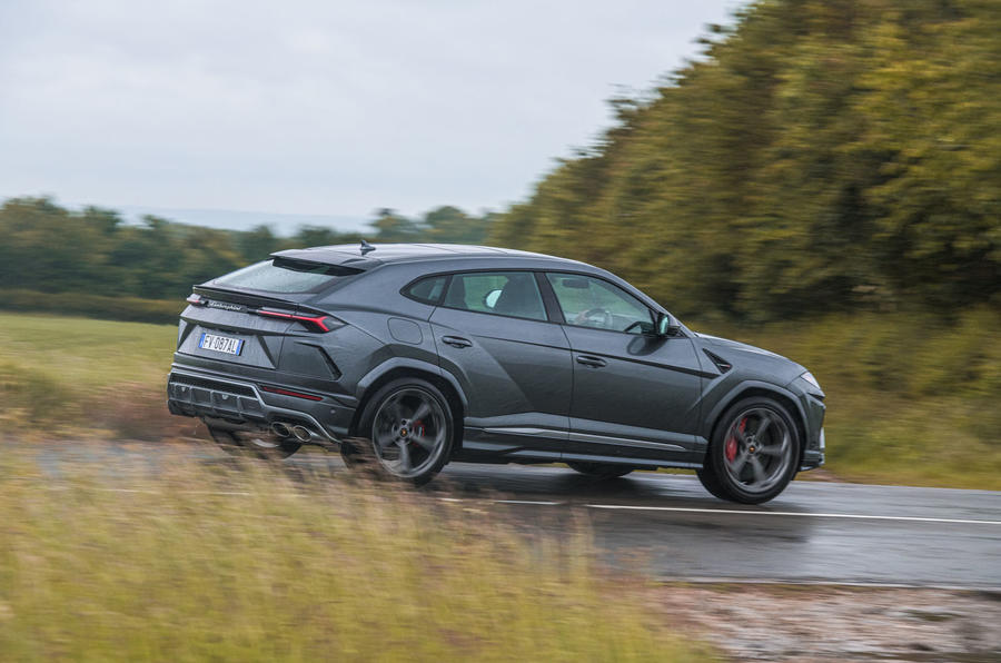 Lamborghini Urus Review (2019) | Autocar