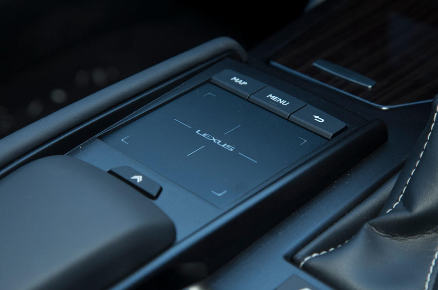Lexus ES 2019 road test review - infotainment controls