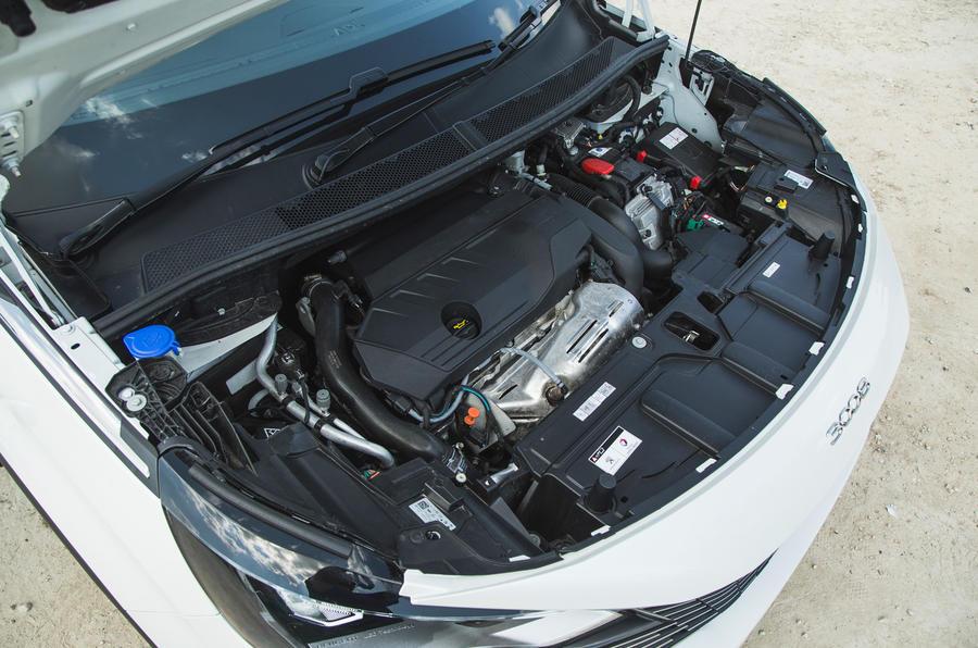 24 Peugeot 3008 2021 RT moteur