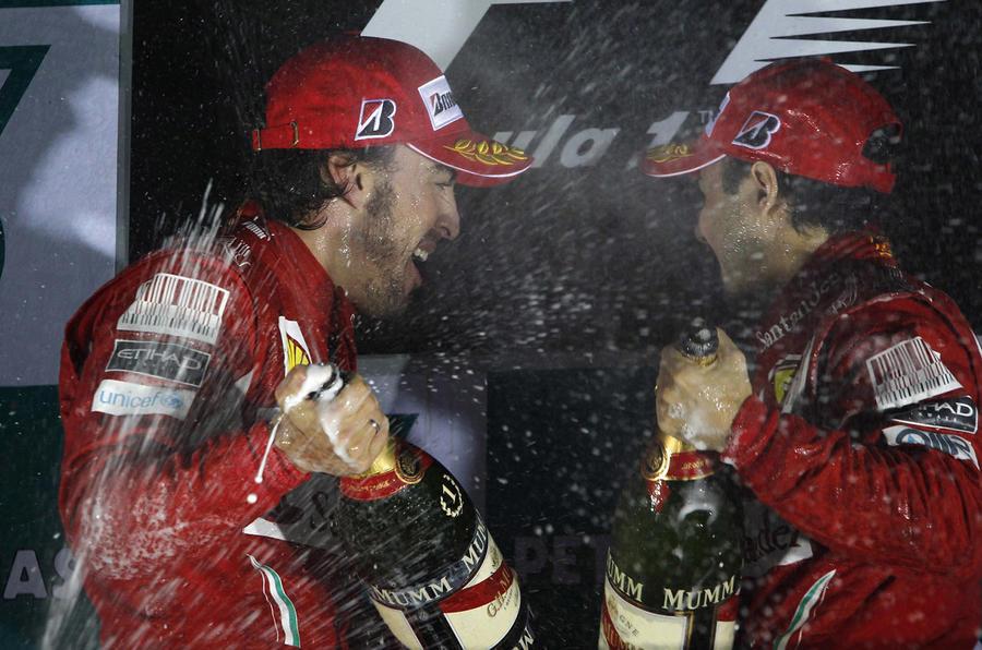 Alonso wins as Red Bulls stutter