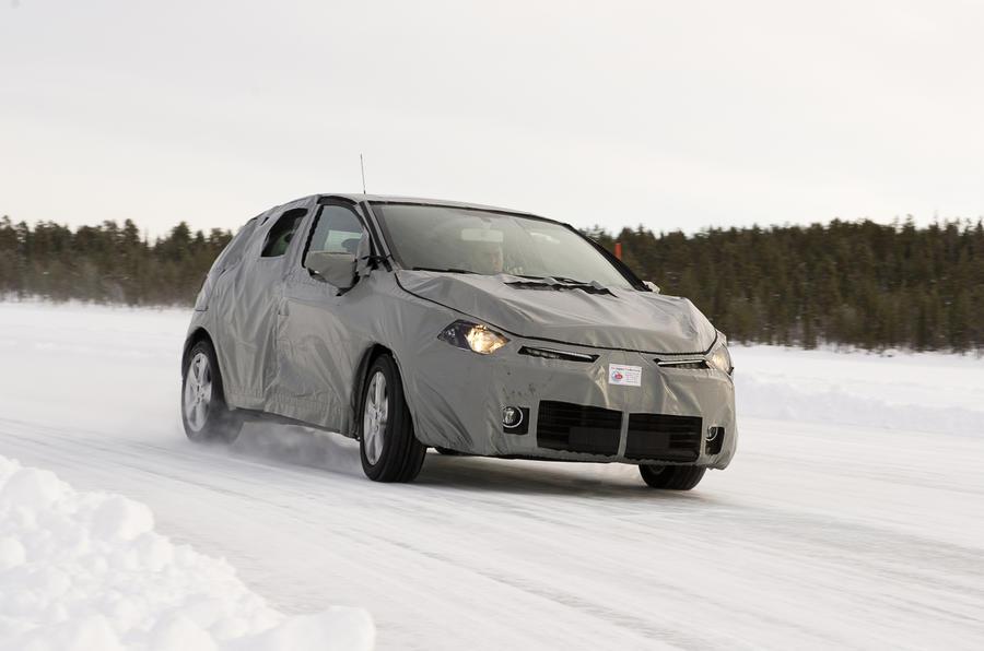 Renault Clio 1.0 TCE cornering