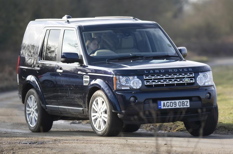 Discovery v Land Cruiser | Autocar