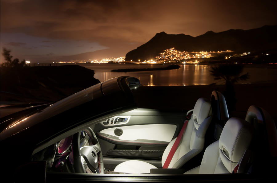 Mercedes-Benz SLK 200 ambient light